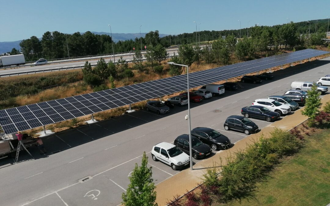 Shading cars with solar PV-panels at Regia-Douro Park