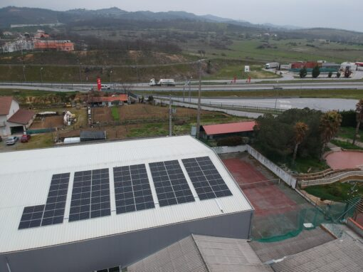Factory roof delivers both electricity and savings